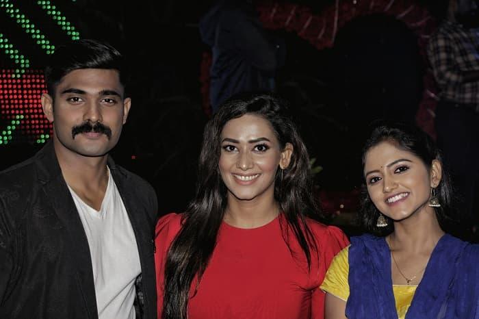 Colors Tamil brings special celebrities Comedian Adhavan and Actress Sanjana Singh to celebrate Valentine Weekend